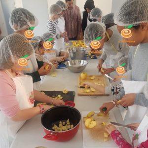 L'Econome anime des ateliers enfants